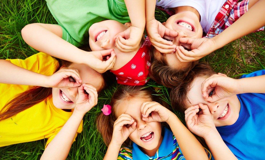 Signos que pueden indicar problemas oculares en niños